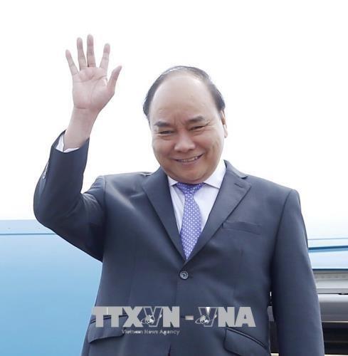 政府总理阮春福抵达柬埔寨暹粒 开始第三届湄公河委员会峰会之行 hinh anh 1