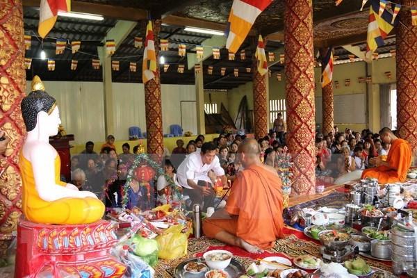 越南祖国阵线中央委员会主席向高棉族同胞致新年贺信 hinh anh 1