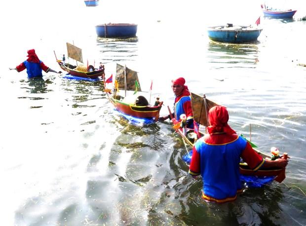 2018年黄沙兵替身祭礼在广义省李山岛县举行 hinh anh 2