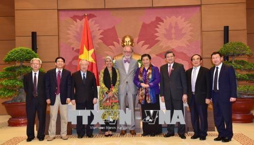 越南国会常务副主席丛氏放会见各国议会联盟前秘书长安德斯 hinh anh 2