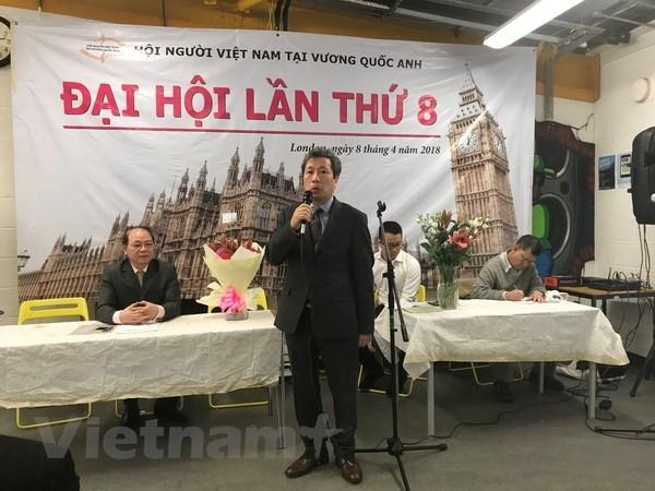 旅英越南人协会更加注重咨询和交流活动 hinh anh 1