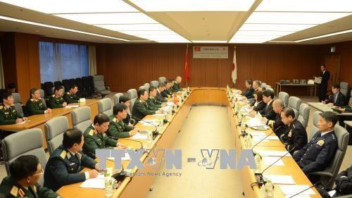 越南国防部部长吴春历对日本进行工作访问 hinh anh 3