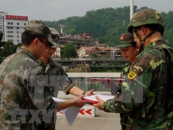 越南老街省与中国边防部队联合举行双边巡逻活动 hinh anh 1