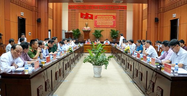 加强和革新党对新形势下群众工作的领导 hinh anh 2