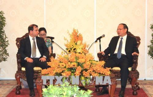 胡志明市领导会见古巴与各国人民友好协会主席 hinh anh 1
