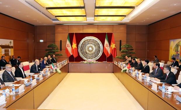 越南国会主席与伊朗伊斯兰议会议长举行会谈 hinh anh 2
