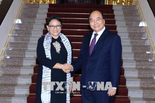 越南政府总理阮春福会见印尼外账马尔苏迪 hinh anh 1