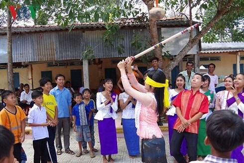 茶荣省高棉族同胞喜获丰收迎传统春节 hinh anh 1