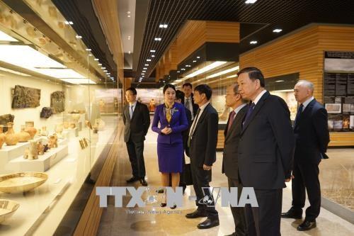 越南公安部部长苏林对哈萨克斯坦进行工作访问 hinh anh 3