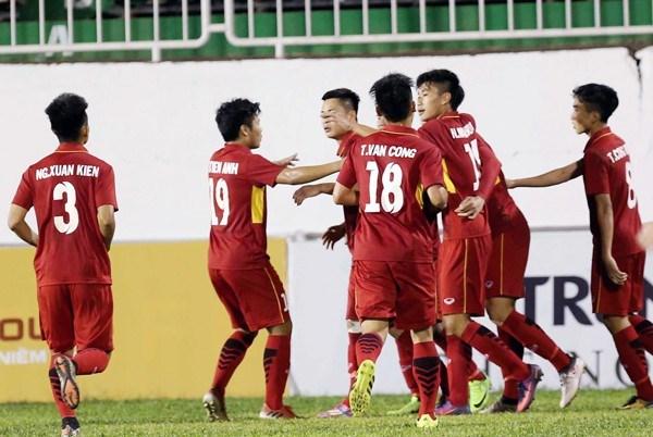 Suwon JS Cup 2018国际足球锦标赛:越南U19队0比4不敌墨西哥U19队 hinh anh 1