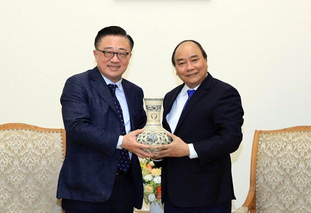 阮春福会见韩国三星集团总裁高东镇 hinh anh 2