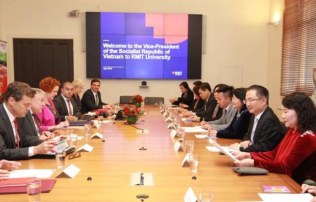 越南国家副主席邓氏玉盛造访澳大利亚皇家墨尔本理工大学 hinh anh 1