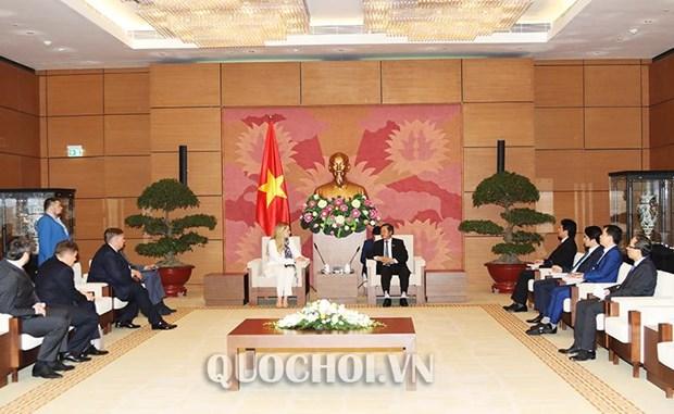 越南国会副主席杜伯巳会见乌克兰与越南友好议员小组主席 hinh anh 1