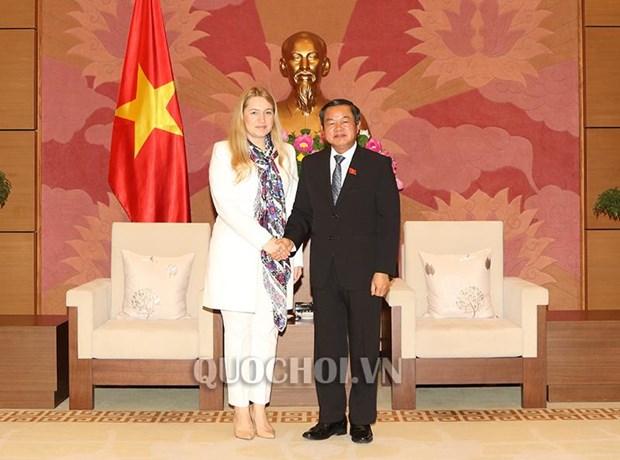 越南国会副主席杜伯巳会见乌克兰与越南友好议员小组主席 hinh anh 3