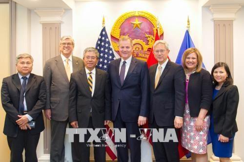越南驻美国大使会见耶稣基督后期圣徒教会代表团 hinh anh 1