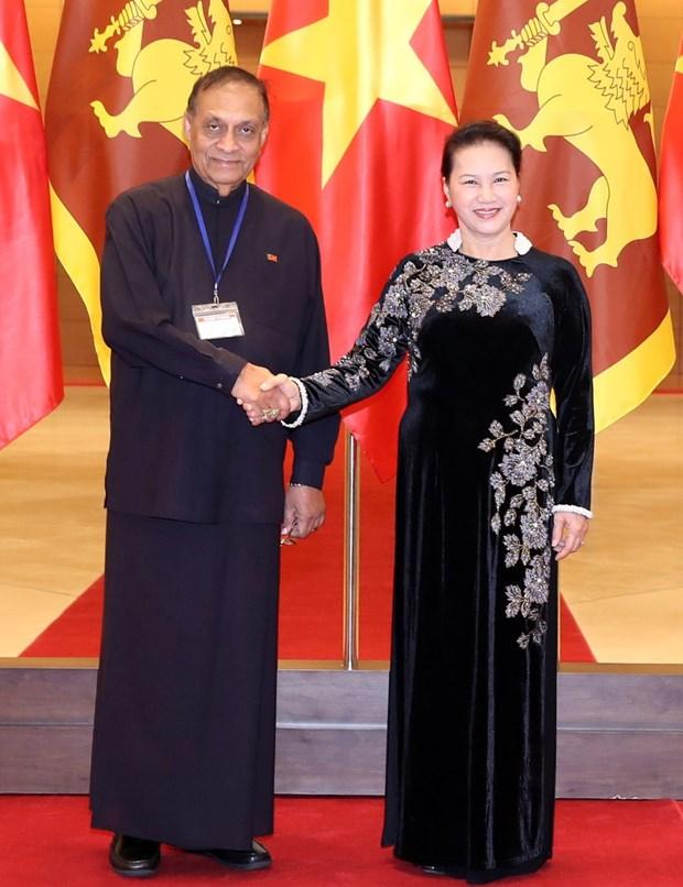 国会主席阮氏金银与斯里兰卡议会议长卡鲁举行会谈 hinh anh 1