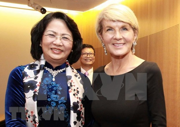 越南国家副主席邓氏玉盛会见澳大利亚外长和南威尔士州州督 hinh anh 1