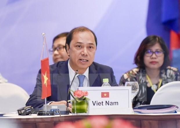 东盟高官会在新加坡举行 为第32届东盟峰会做准备 hinh anh 1