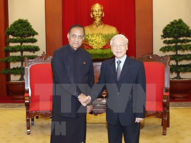 斯里兰卡议会议长卡鲁•贾亚苏里亚圆满结束对越南进行的正式访问 hinh anh 2