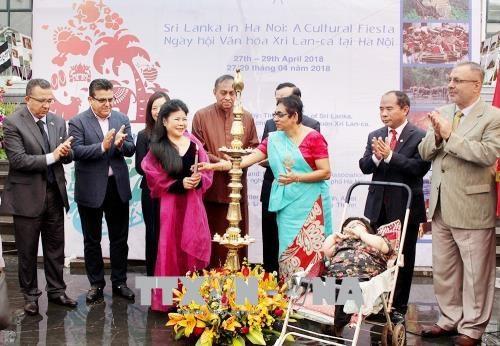 在河内斯里兰卡文化节正式开幕 hinh anh 1