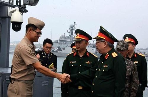 越南国防对外:通过和平方式提早保卫祖国的计策(第二期) hinh anh 1
