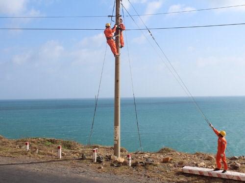 努力让农村、山区和海岛地区居民用上电 hinh anh 1