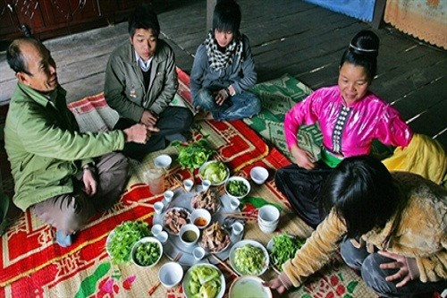西北地区泰族酒席上的信仰文化 hinh anh 1
