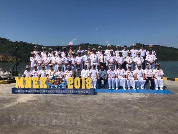 越南海军参加2018年科摩多多国海军联演 hinh anh 2
