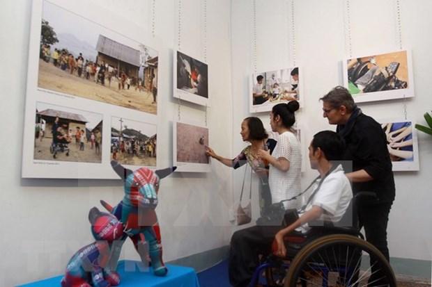 瑞士摄影师镜头中的越南日常生活 hinh anh 1