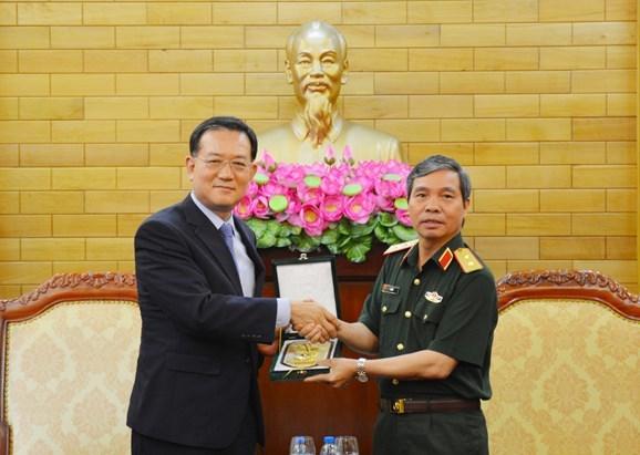 越南与韩国密切两军代表团互访 hinh anh 2