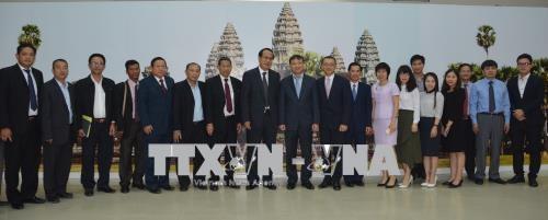 越柬加强边境贸易合作 hinh anh 2