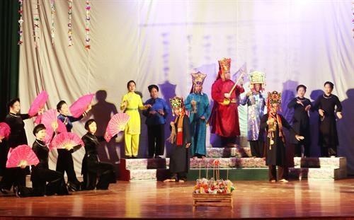 全国天曲和天琴艺术节:谅山省鼓励发展各阶层人民的天曲艺术活动 hinh anh 1