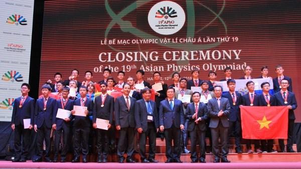 越南在2018年亚洲物理奥林匹克竞赛上摘得四枚金牌 hinh anh 2