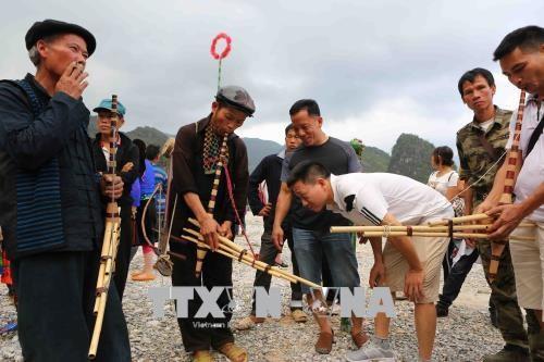 越南河江省最具特色的蔻瓦伊爱情集市正式开幕 hinh anh 2