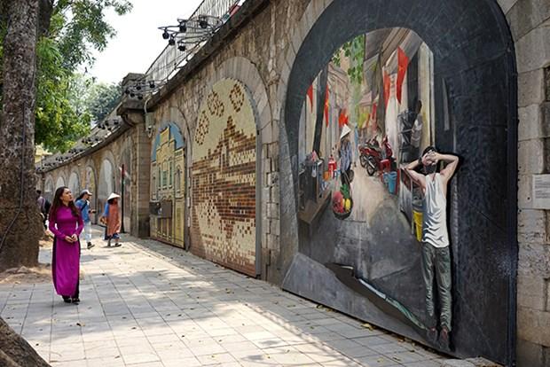 冯兴壁画街——唤醒一段有关河内的难忘回忆 hinh anh 2