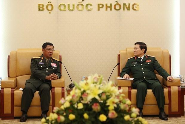 老挝人民军总参谋长对越南进行正式访问 hinh anh 2