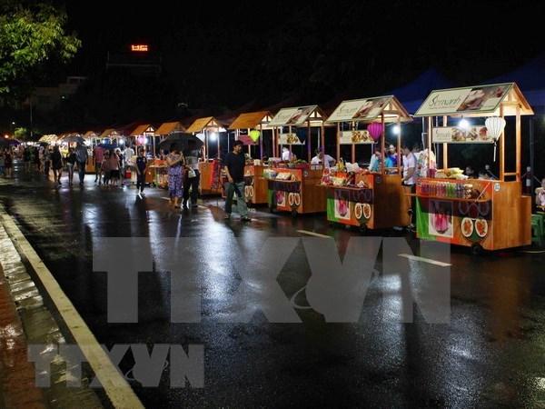河内市第二条步行街开街吸引6千人次前来观光 hinh anh 1