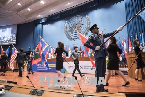 越南出席联合国亚太经社会第74届会议 hinh anh 1