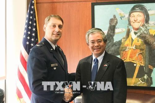 越南与美国空军学院加强防务合作关系 hinh anh 2