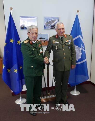 阮志咏上将率团出席欧盟军事委员会会议 hinh anh 1