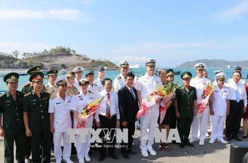 """美国海军医疗舰""""仁慈号"""" 抵达越南芽庄港开始《2018年太平洋伙伴计划》 hinh anh 3"""