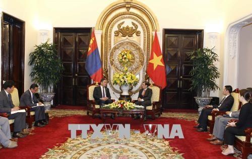 越南与蒙古加强多领域合作 hinh anh 1