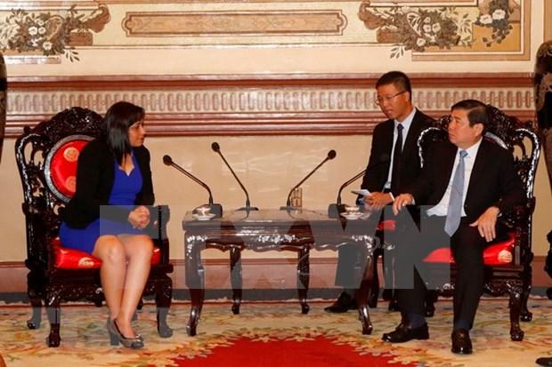 胡志明市领导会见古巴共产主义青年联盟第一书记 hinh anh 1