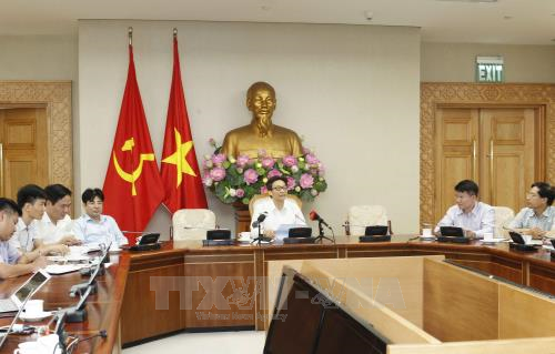 政府副总理武德儋:加强药价管理 确保患者利益 hinh anh 1