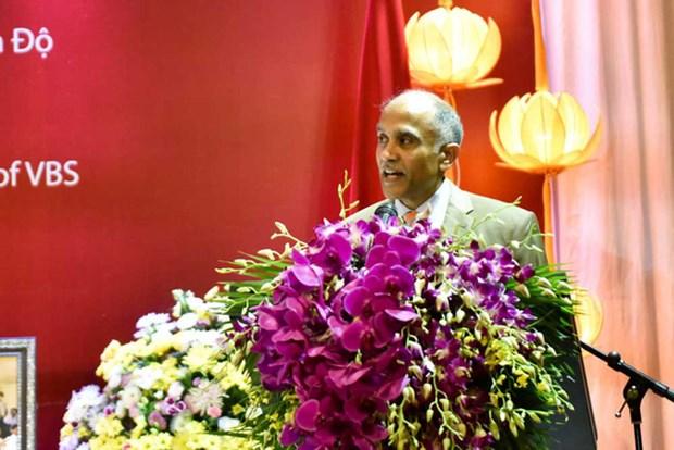 第一名越南人荣获印度莲花士勋章 hinh anh 2