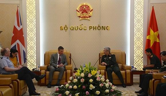 越南希望加强与英国、以色列和南非的防务合作 hinh anh 1