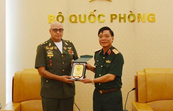 推进越南与委内瑞拉的防务合作 hinh anh 2
