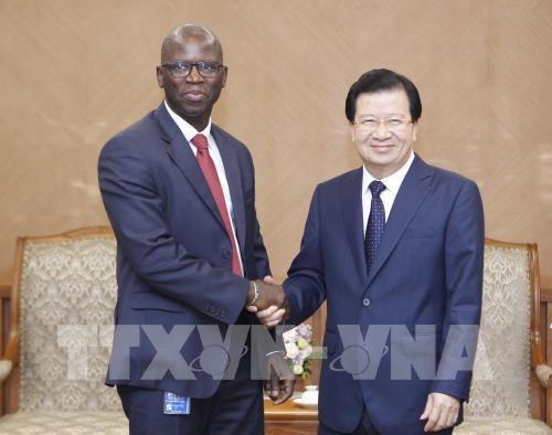 越南与世行加强交通基础设施合作 hinh anh 1