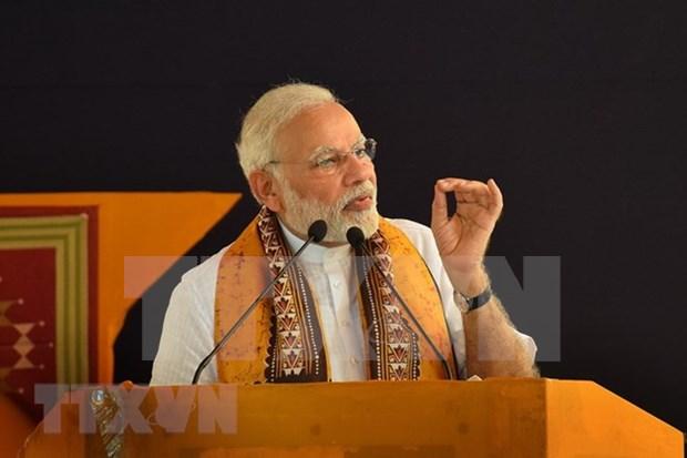 印度总理抵达印尼 开始东南亚三国访问之行 hinh anh 1