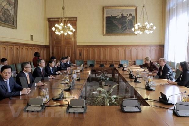 越南与匈牙利发展多方面合作关系 hinh anh 2